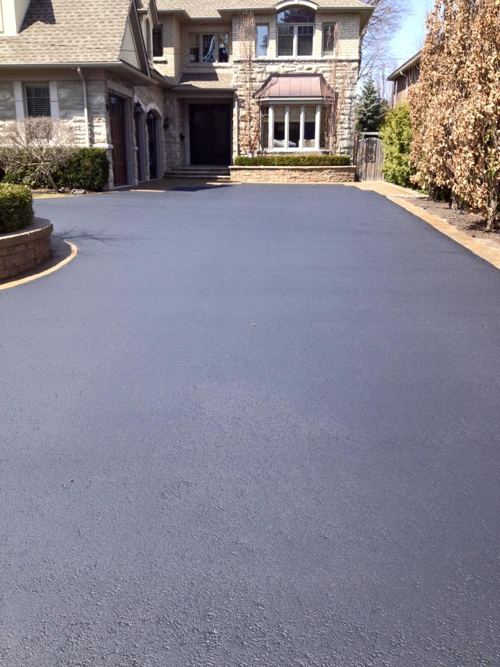 Residential the driveway doctor inc residential driveway asphalt sealing solutioingenieria Choice Image